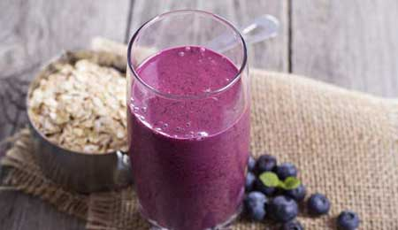 Raspberry and Oatmeal Smoothie